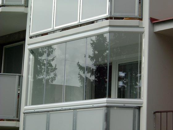 Zasklení balkonů - bezrámový systém